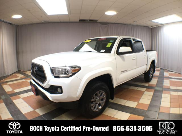Certified Pre-Owned 2017 Toyota Tacoma SR5 Double Cab 5' Bed V6 4x4 AT