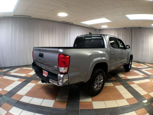 Pre-Owned 2017 Toyota Tacoma SR5 Double Cab 5' Bed V6 4x4 AT