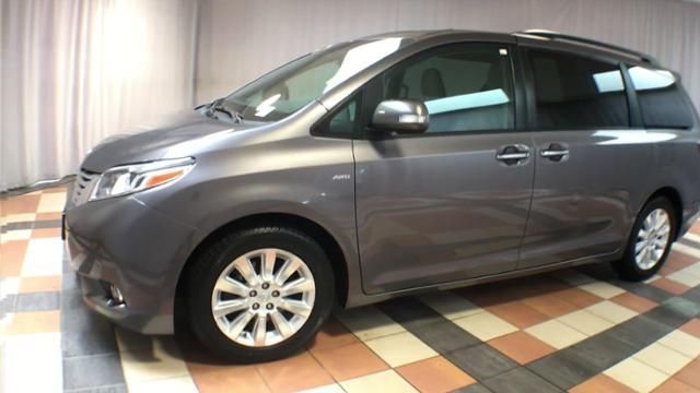 Pre-Owned 2016 Toyota Sienna 5dr 7-Pass Van Ltd Premium AWD