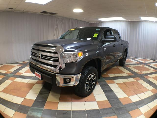Pre-Owned 2016 Toyota Tundra 4WD CrewMax 5.7L V8 6-Spd AT SR5