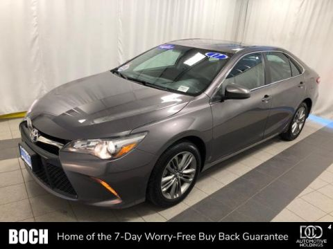 Pre-Owned 2017 Toyota Camry SE Auto FWD 4dr Car